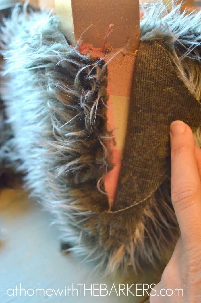 Stool gluing fur