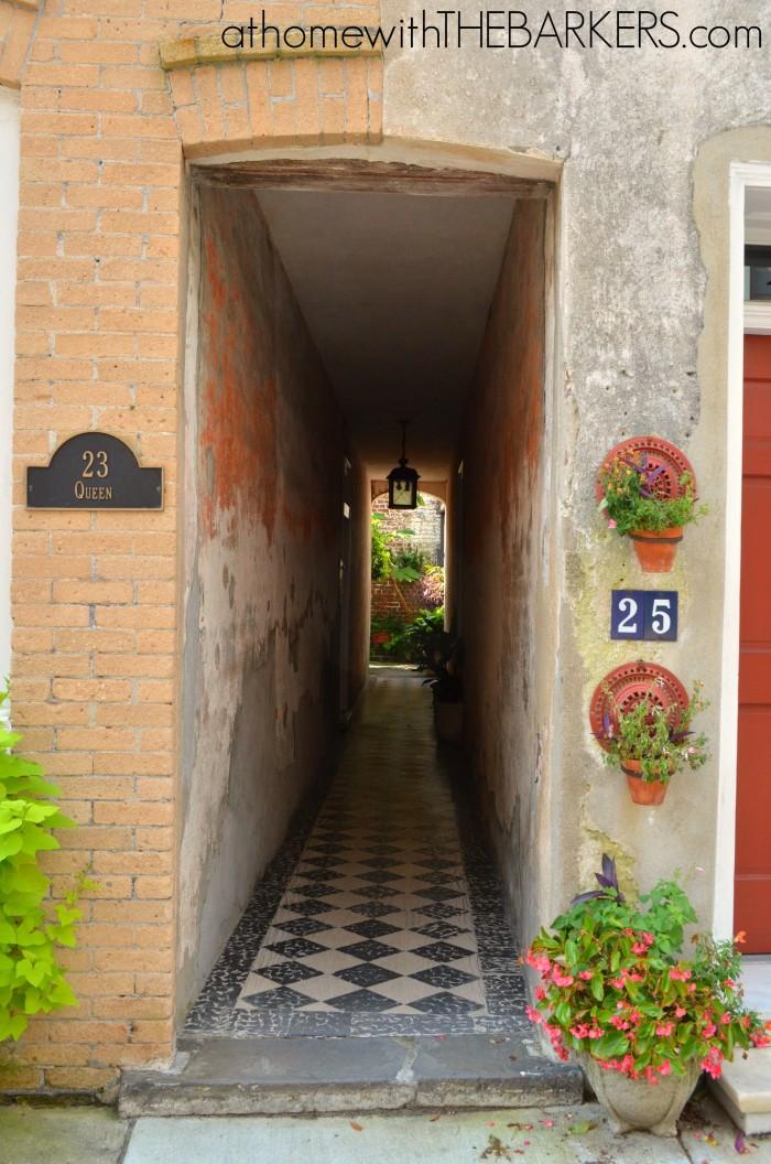 Charleston Walking Tour Narrow entrance