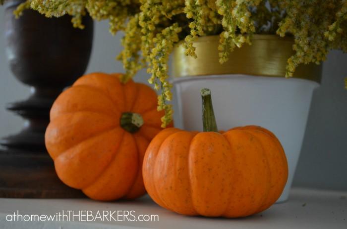 Fall Tour Mantel-Pumpkins