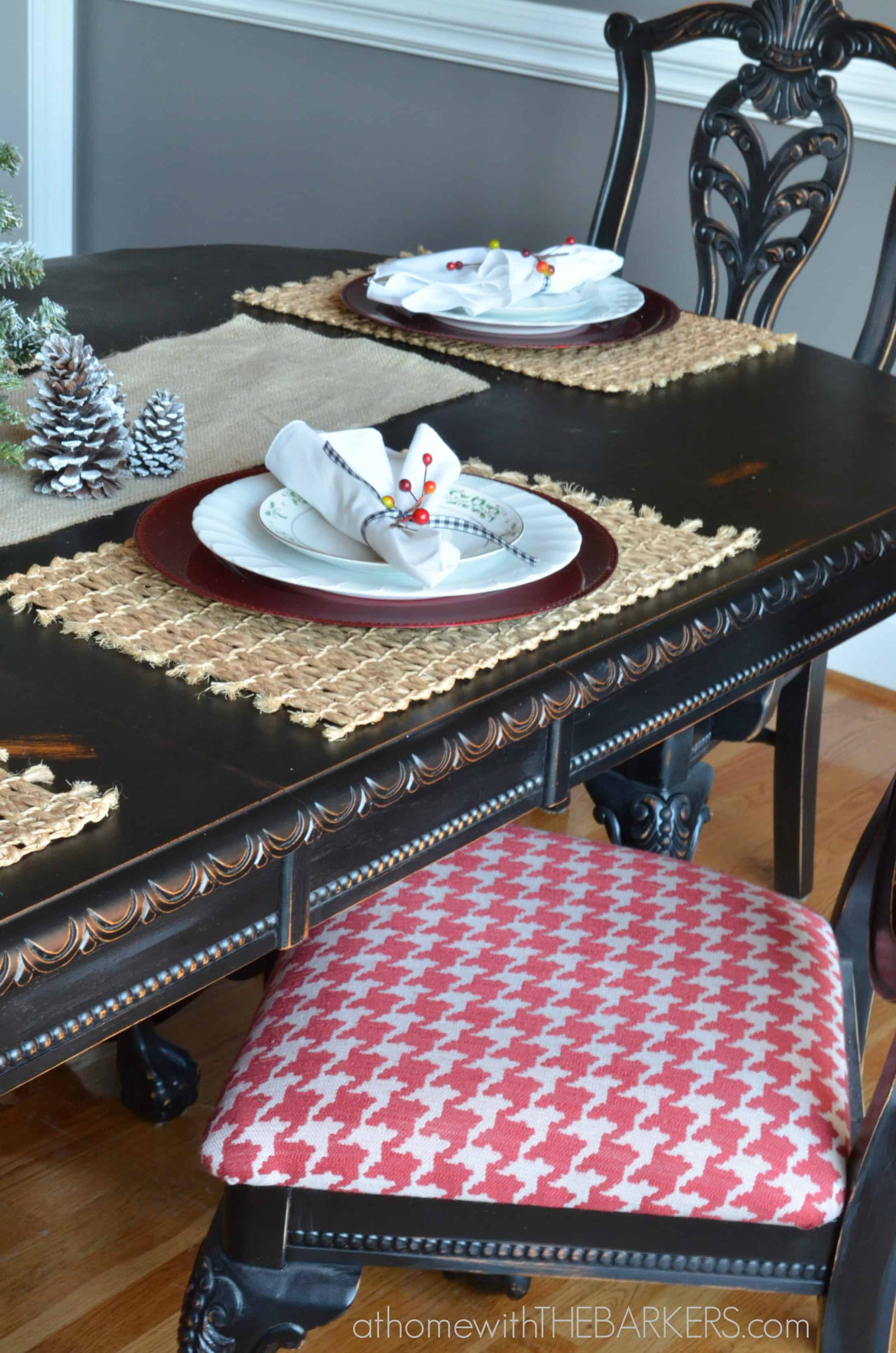 Christmas Tour Dining Room Place Setting