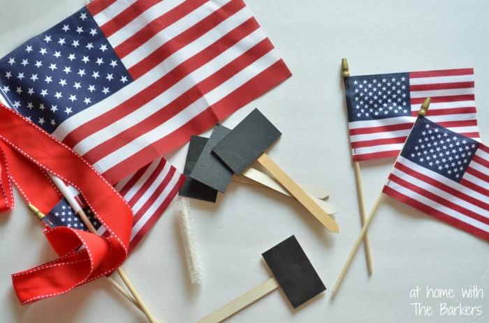 Patriotic Wreath-Flags-Chalkboard Signs