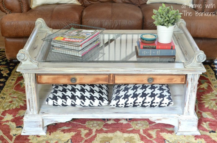 Coffee Table Makeover-Homemade Chalk Finish Paint