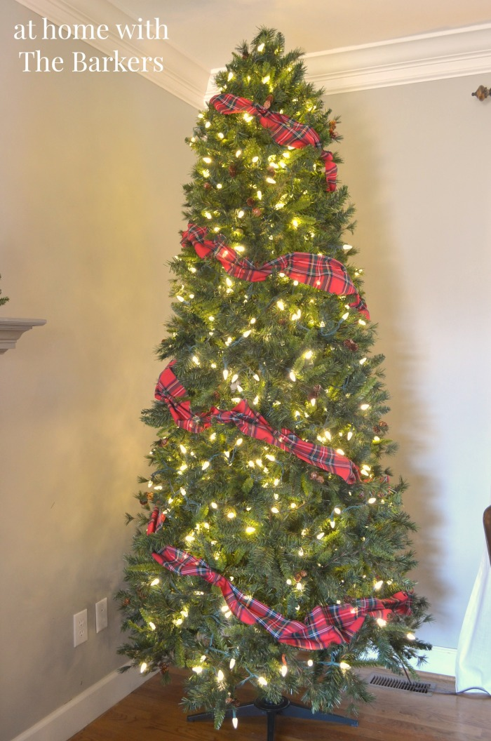 Christmas Tree Garland using cut plaid table cloth