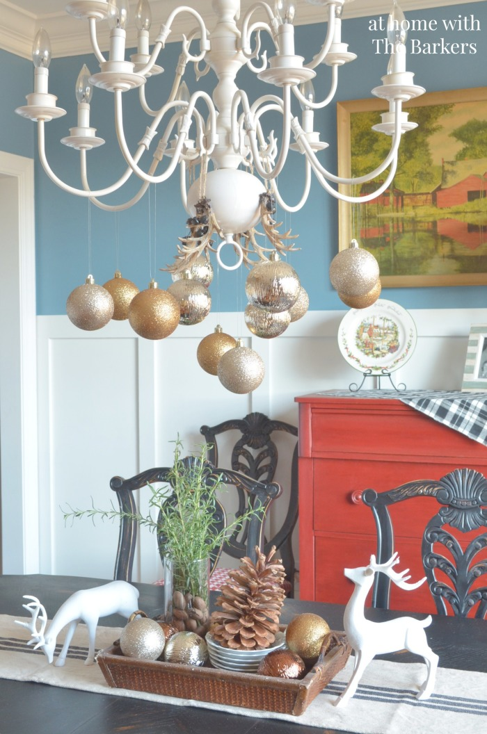 Dining Room Chirstmas Decor using metallics