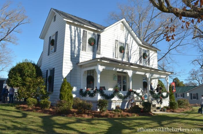 Victorian Farmhouse Christmas Home Tour