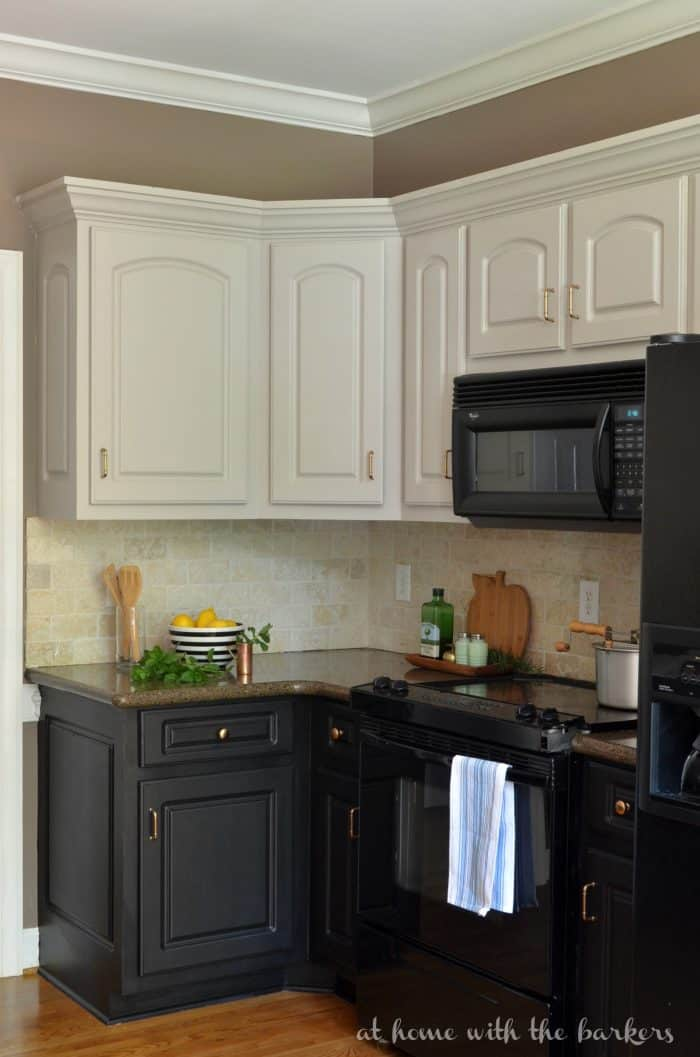 Black kitchen cabinets the ugly truth at home with the for Flat black kitchen cabinets