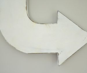 Rustic Metal Arrow Wall Art Paint whtie