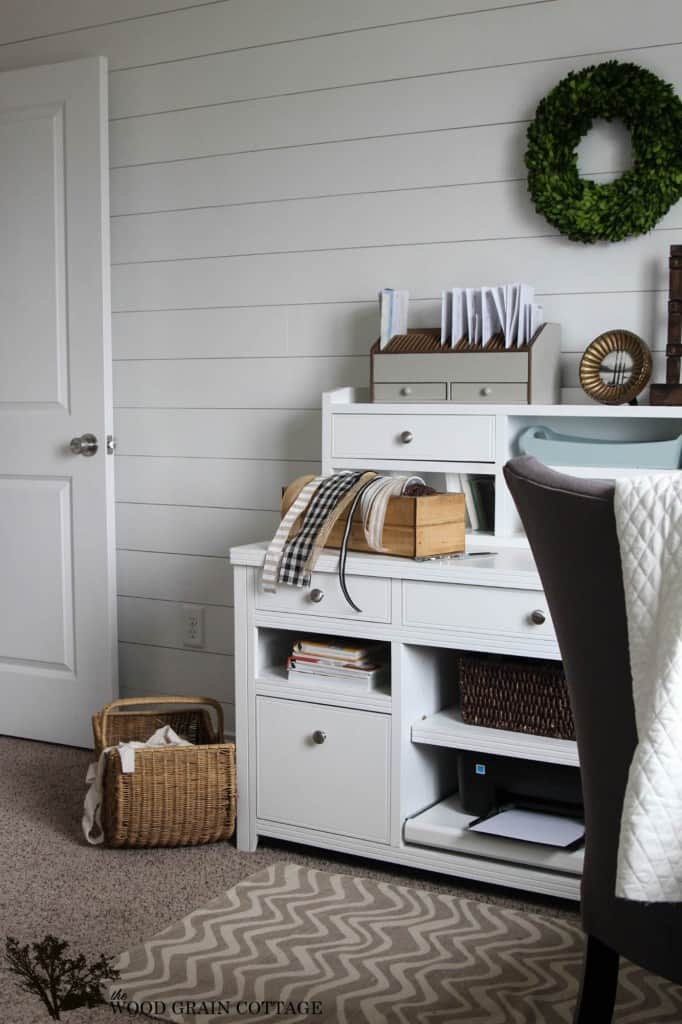 Decorating with Wood Planks -Wood Grain Cottage