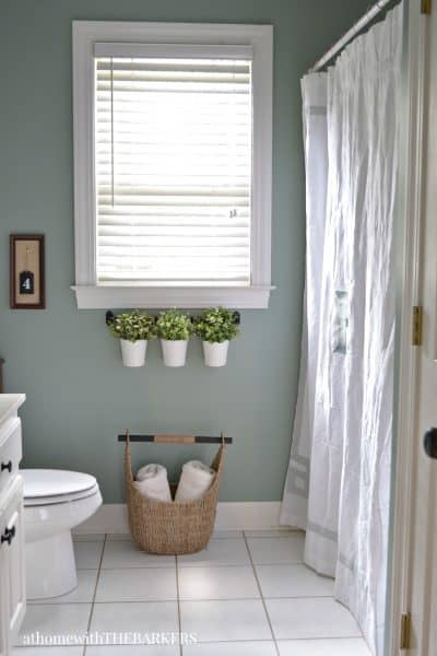 Holiday Ready Room Refresh with BEHR Marquee Green Trellis