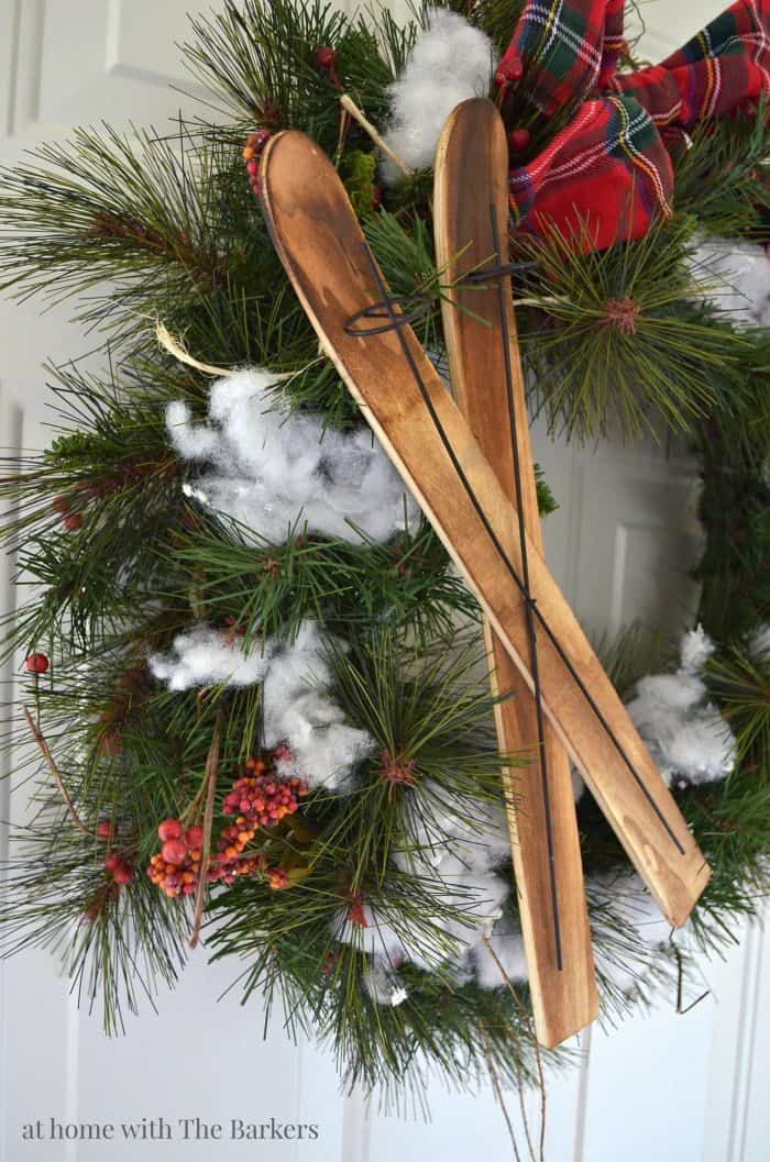 Upcycled Christmas Wreath with Rustic Style. athomewiththebarkers.com