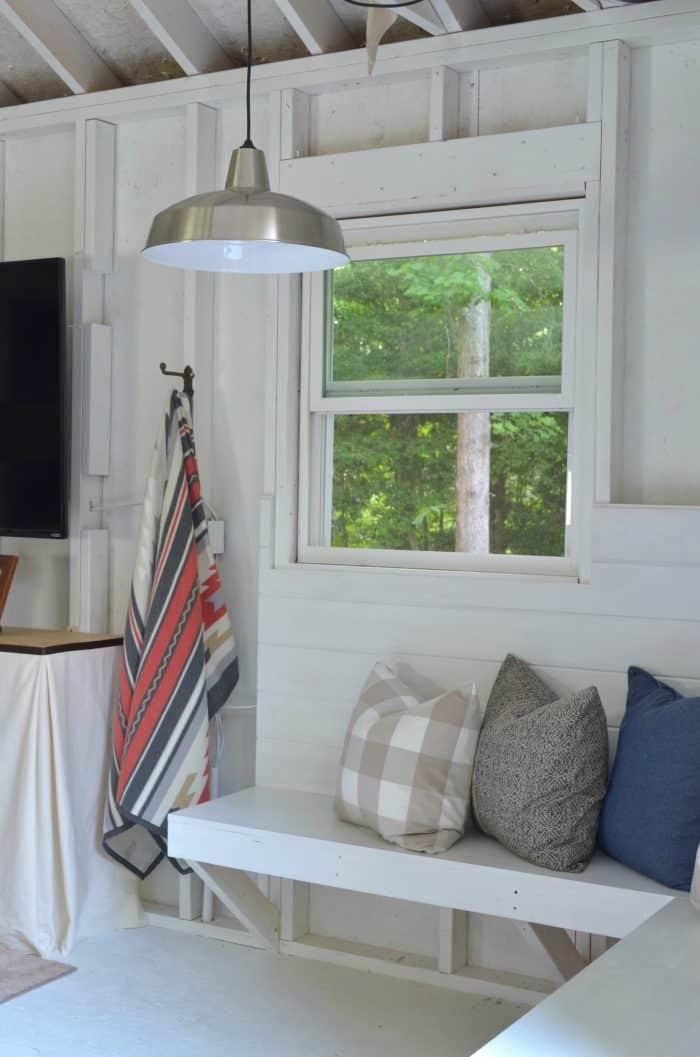 Bedding Style Blanket Hanger