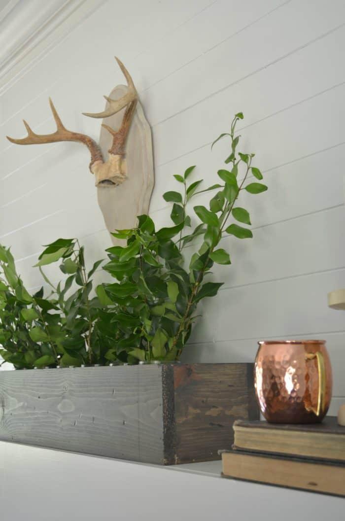 Simple Fall Mantel Styling