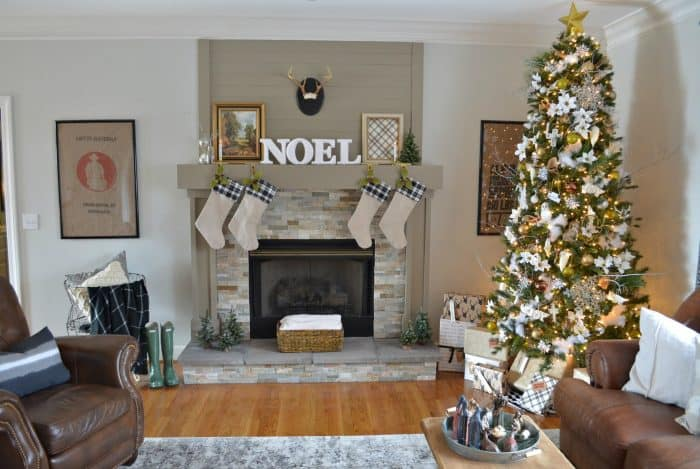 neutral christmas home tour using black white and metallic - Neutral Christmas Decor