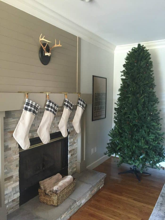 Christmas Tree Decorating Tips and Tricks
