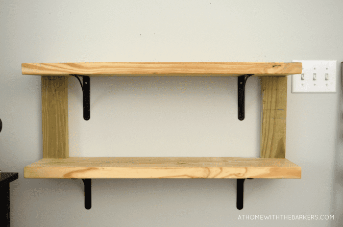 Exceptionnel DIY Rustic Wood Shelves With Metal Brackets