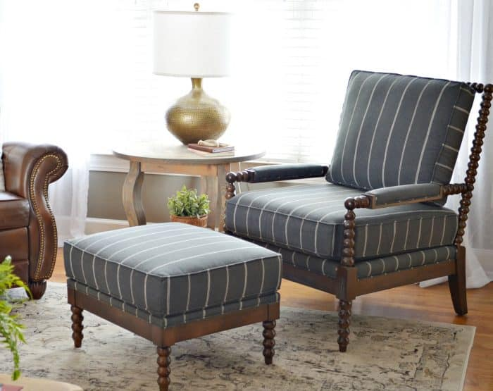 Mixing classic and Modern Furniture for a Living Room Makeover that's trendy and traditional.