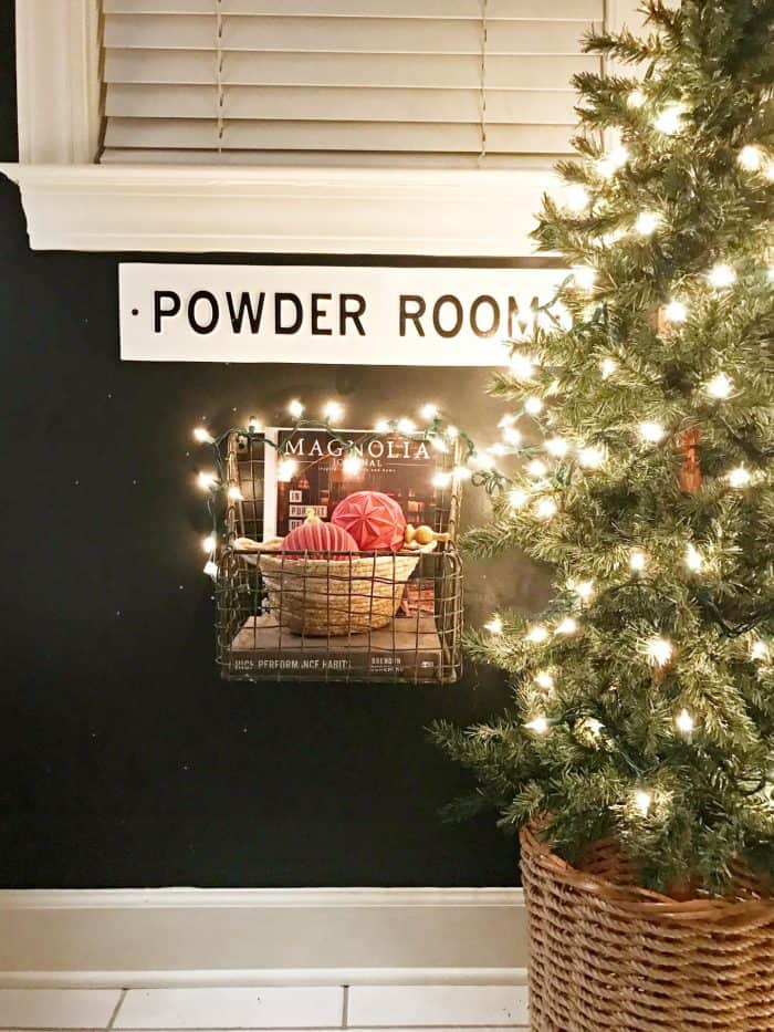 Christmas Nights Tour 2019 Powder Room