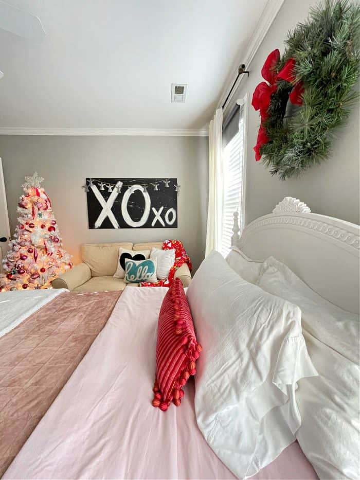Red Pink Christmas Bedroom decor Girl