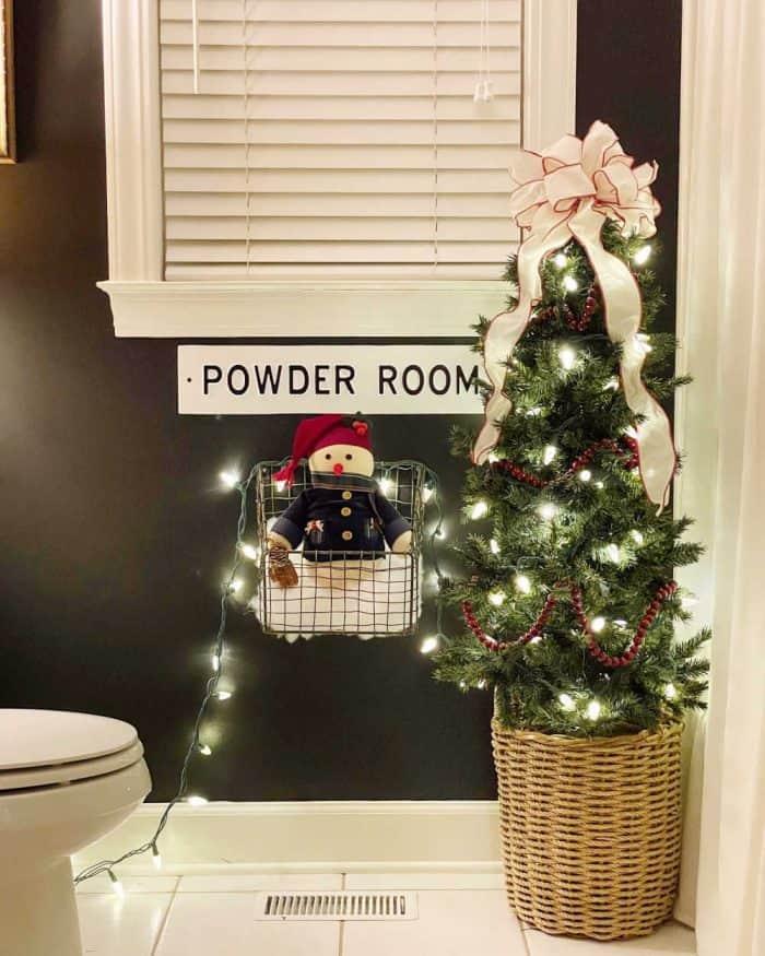 bathroom christmas decor