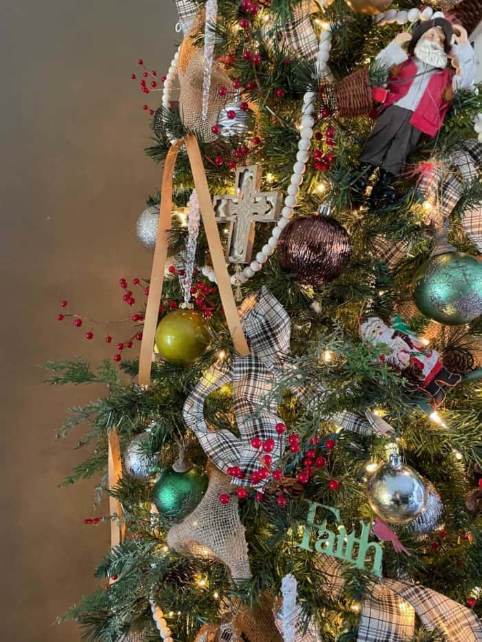 Christmas Tree 2020 details
