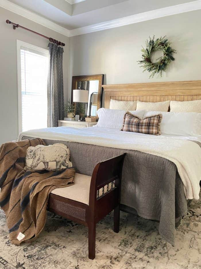 Neutral Christmas Master Bed