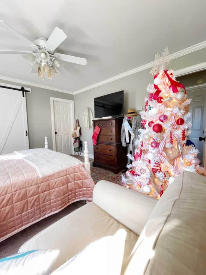 Red Pink Christmas Bedroom College Girl