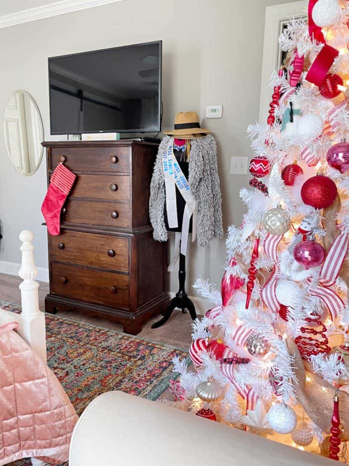 Red Pink Christmas Older Girl bedroom