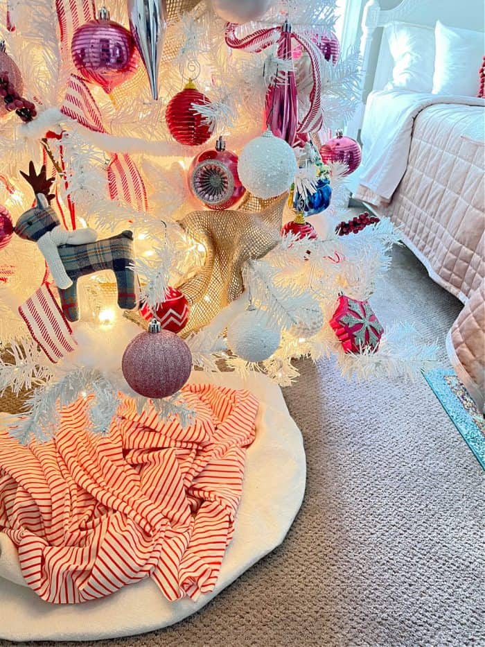 Red Pink Decor white Christmas tree