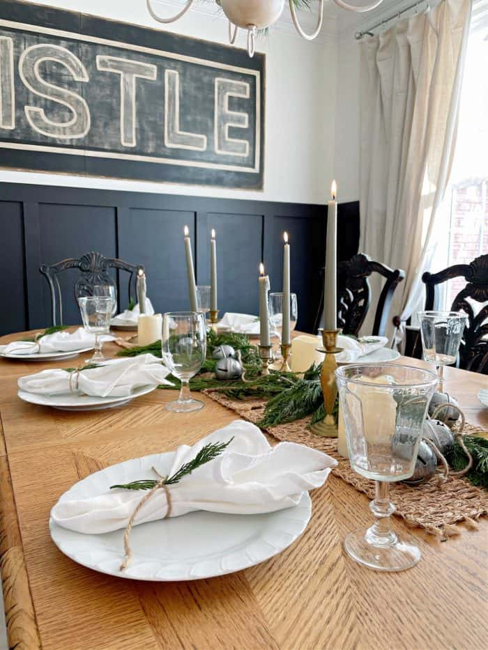 how to set a casual dining setting