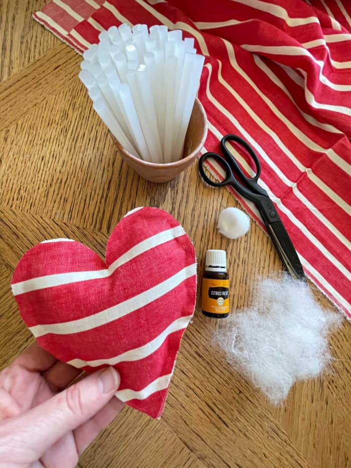 DIY heart sachets and essential oil